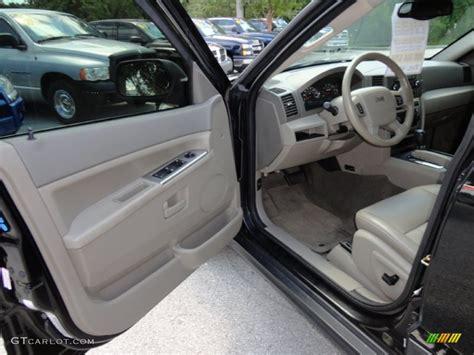 2006 Jeep Grand Laredo Interior 2006 Jeep Grand Laredo Interior Photo 52051943