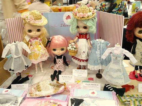 doll shows of three s craft looking to attend a doll