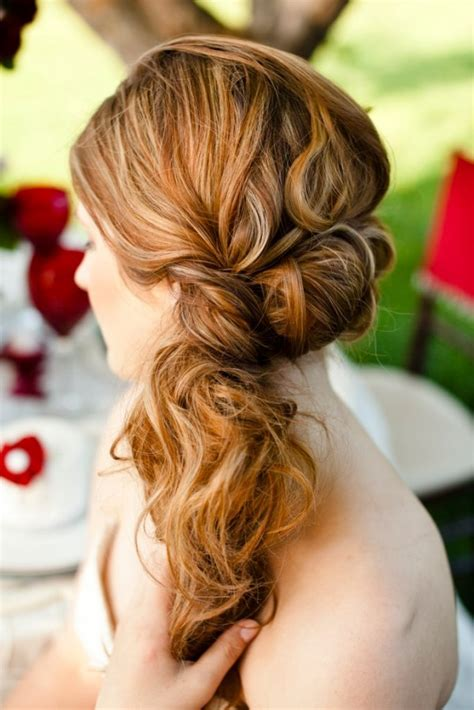 how to do the country chic hairstyle from covet fashion ehow equestrian style wedding inspiration rustic wedding chic