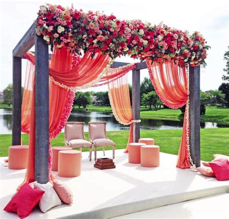 Flower Decoration Accessories by Best 10 Indian Wedding Flowers Ideas On