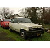 OLD PARKED CARS 1981 Renault Le Car