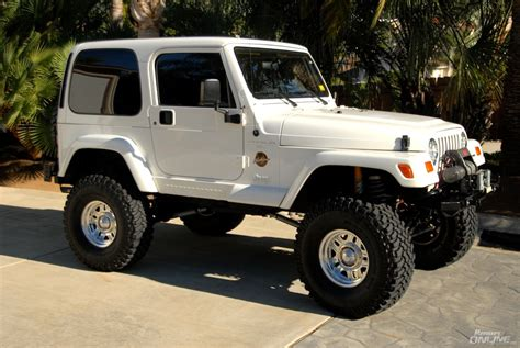 jeep white 1997 ss white jeep wrangler detail 30 hours