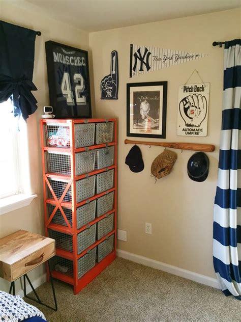 sports bedroom decor baseball themed bedroom ideas