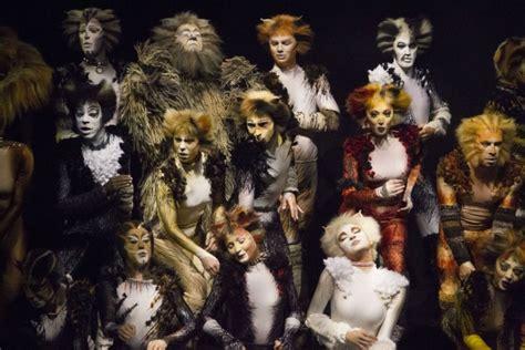 Kenna 5 Original By Baenetta ロンドンのcatsリバイバルのステージ写真 m for michael gruber mは マイケル