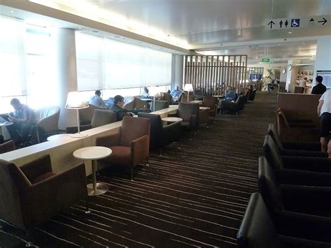 emirates qantas club international business qantas international business