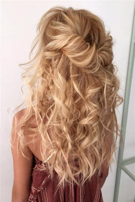 graduation night hairstyles 1000 ideas about prom hairstyles down on pinterest hair