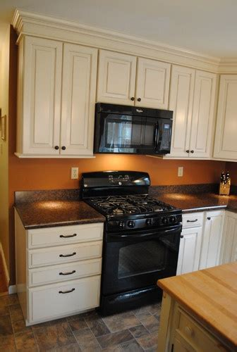 kitchen cabinet display from lowe s shenandoah winchester 17 best images about shenandoah cabinetry on pinterest