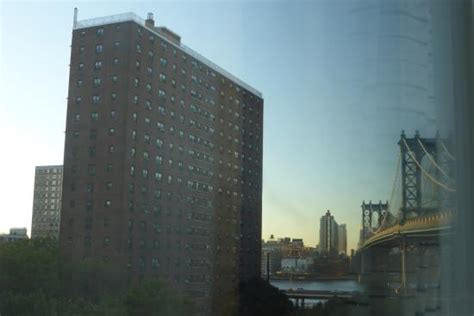 comfort inn financial district manhattan bridge on the right view from my room