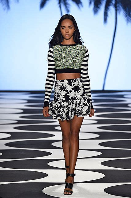 Looks Of The Week Fabsugar Want Need 15 by Best 25 2015 Trends Ideas On Fall 2015 Trends