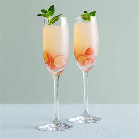 wedding ideas blog lisawola  unique signature cocktail