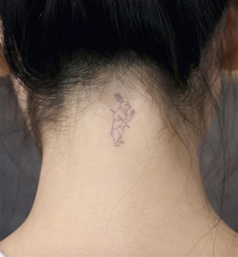 neck tattoo live 40 beautiful back neck tattoos for women tattooblend