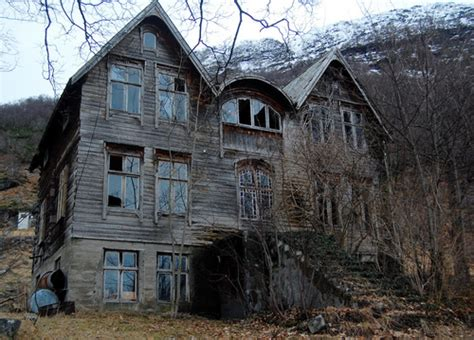 Abandoned Haunted House Pictures Photos And Images For Facebook Tumblr Pinterest