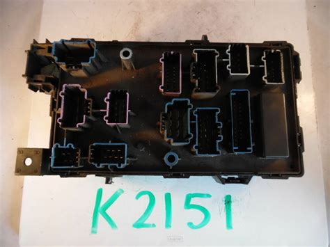 ford     diesel fuse panel relay box