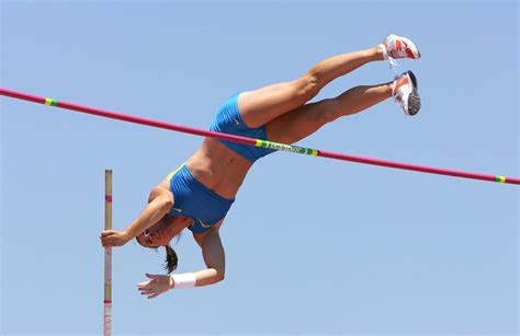 the pole vault chionship of the entire universe books dragila photos photos usa outdoor track and field