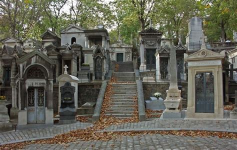 pere chaise pere lachaise cemetery paris travel featured