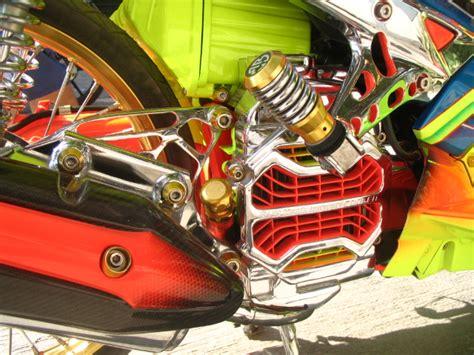Lu Variasi Motor ngecat motor agustus 2012