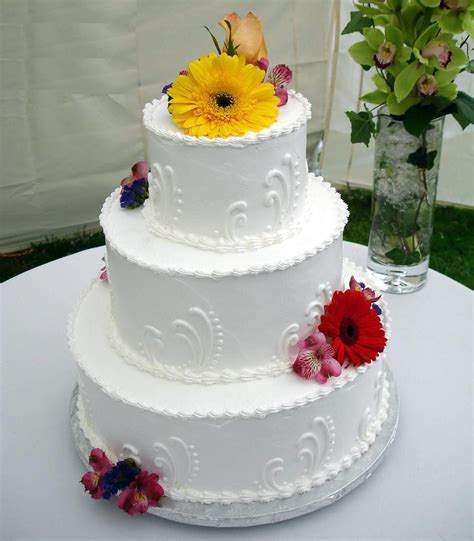 Easy Wedding Cake Decorating Ideas   Wedding and Bridal