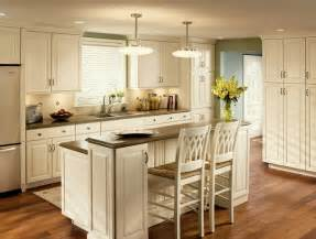 Kraftmaid Kitchen Islands by Cove Molding And Square Raised Door Panels Add