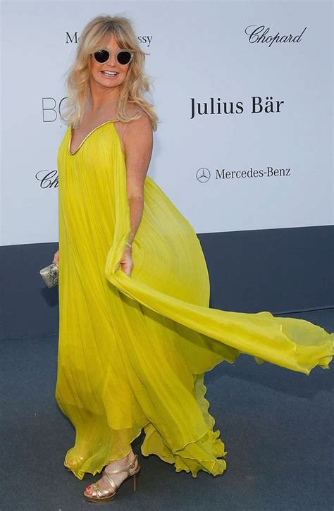 Goldy Outer Dress Dress all bright on the goldie hawn stands out in hello