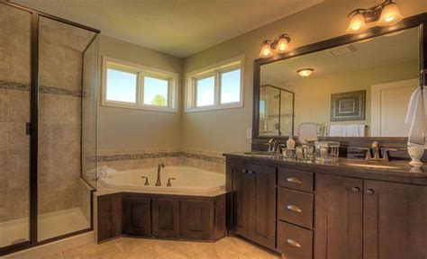 master suite bathroom ideas 10 modern and luxury master bathroom ideas freshnist