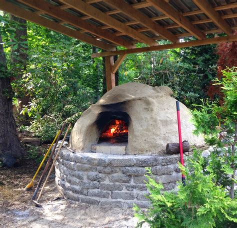 Backyard Oven by Knitone Pearlonion Backyard Brick Oven Pizza