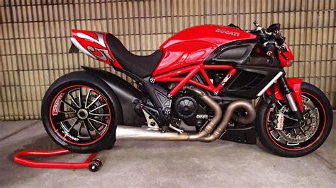 Motorrad Ducati Diavel by Ducati Diavel Drag Bike Rocketgarage Cafe Racer Magazine