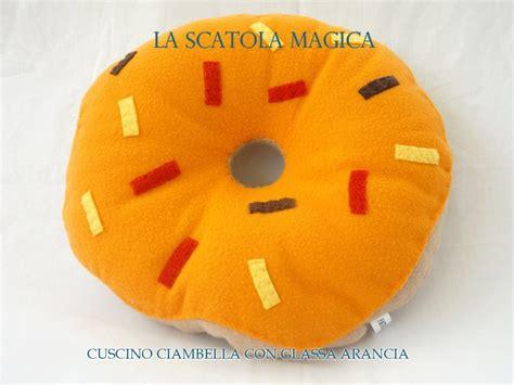 cuscini ciambella cuscino ciambella con glassa arancia per la casa e per
