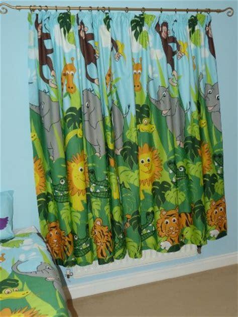 rideau chambre bébé jungle rideaux pour chambre enfant pas cher