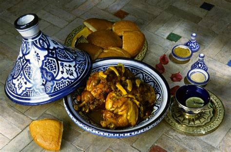 le tajine marocain dans toutes ses couleurs au comptoir
