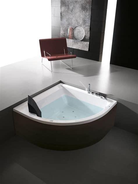 whirlpool wannen moderne badewannen f 252 r badezimmer moderne badewanne f 252 r
