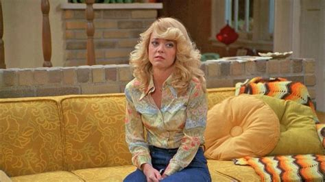 lisa robin kelly that 70s show laurie the cast of that 70s show then now page 18 of 25
