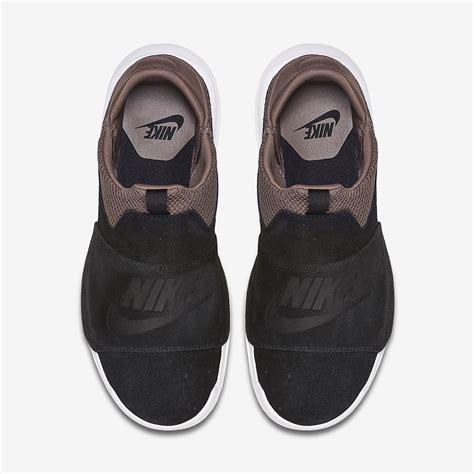 Nike Slip On Black Kode Ss6127 1 nike benassi slip shoe 882410 001 sneakernews