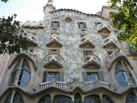 gaudi house barcelona 10 must see gaud 237 buildings in barcelona