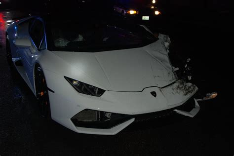 crashed red lamborghini drunk driver crashes rented lamborghini huracan in the u s