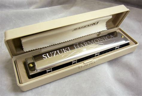 Suzuki Humming Tremolo Harmonica Buy Suzuki Accessories And Instruments