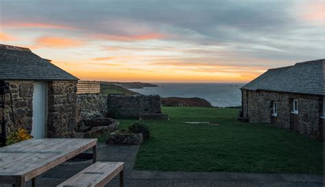 luxury cottage cornwall cape cornwall self catering luxury cottage by the sea