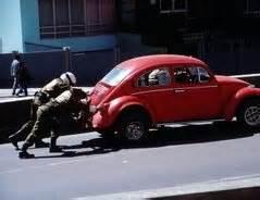 Auto Versicherung Herausfinden by Das Autobatterie Alter Herausfinden So Geht S