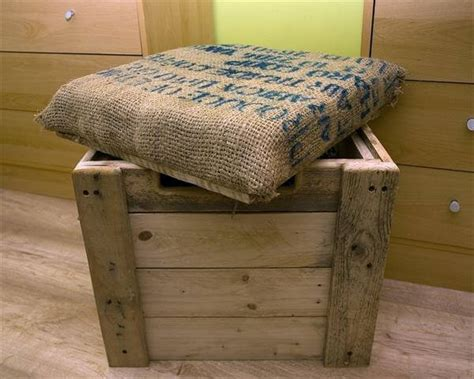 How To Make An Ottoman Out Of A Coffee Table Burlap Cushioned Pallet Ottoman Box