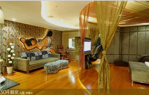 cool batman themed hotel rooms in taiwan