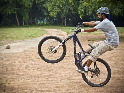 how to wheelie a motocross bike wheelie bike related keywords wheelie bike long tail