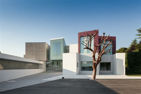 contemporary architecture madrid house h a contemporary villa by abiboo in madrid spain