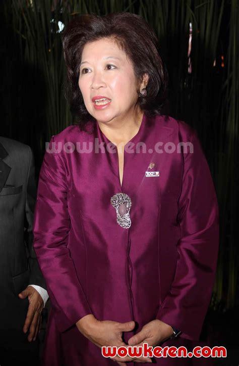 foto anugrah piala citra ffi 2011 foto 10 dari 23 foto menteri kebudayaan dan pariwisata ibu mari pangestu
