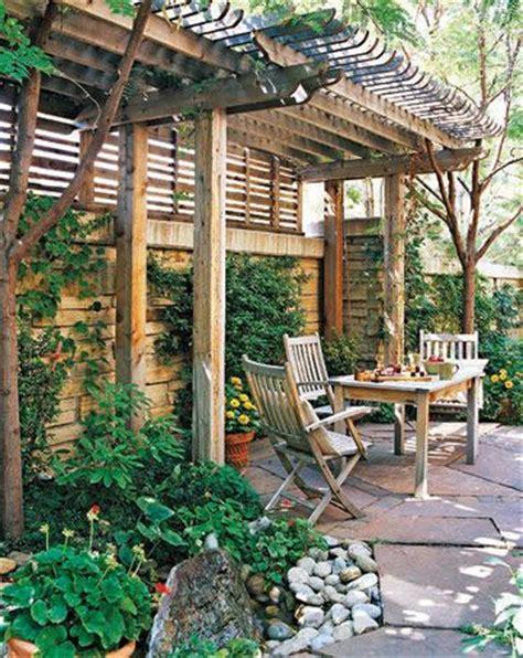 secluded backyard ideas patio privacy ideas