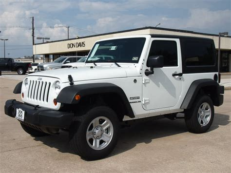 2013 White Jeep 301 Moved Permanently