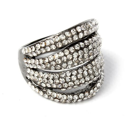 I Ring Chelsea chelsea ring shop amrita singh jewelry