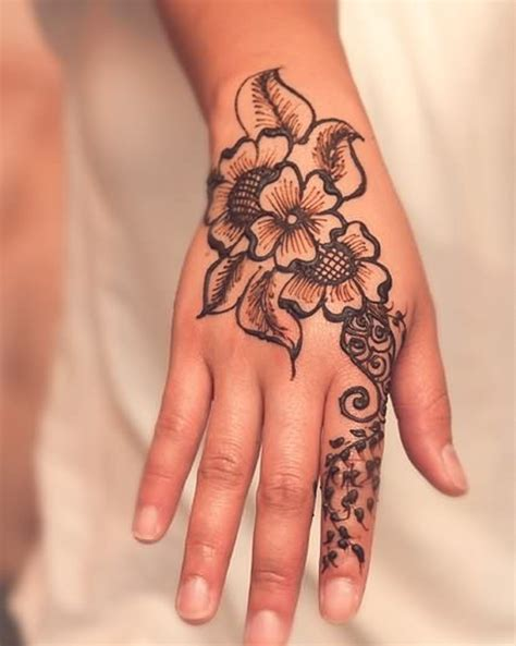 flower henna tattoo on hand 43 henna wrist tattoos design