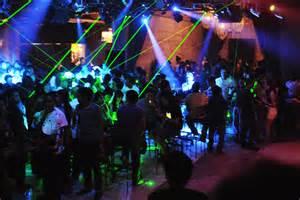 bar locations for cebu nightlife island trek cars