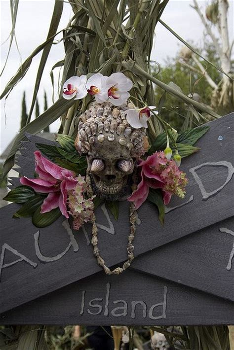 whimsy  bold tropical halloween ideas digsdigs