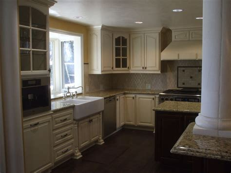 white kitchen cabinets black knobs quicua