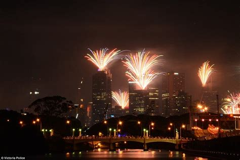 new year 2015 melbourne parade sydney harbour s new year 2016 celebration explodes with